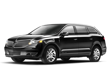 DELUXE SEDAN LINCOLN TOWN CAR L-SERIES or LINCOLN MKT TOWN CAR